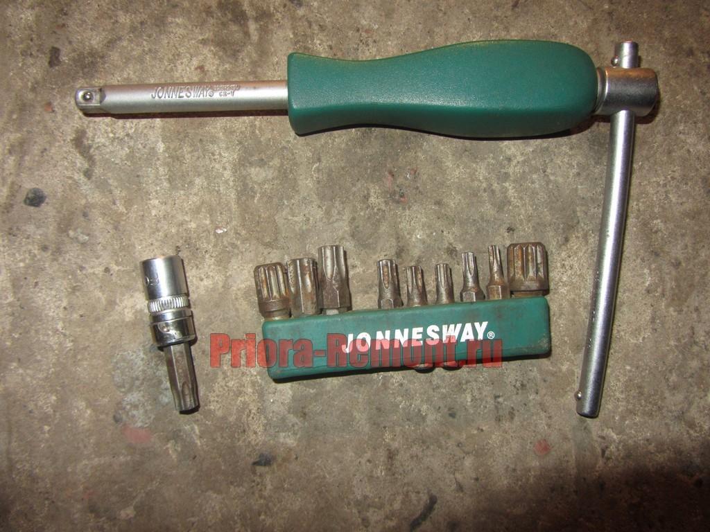 инструмент для замены наружного замка двери Лады Приоры