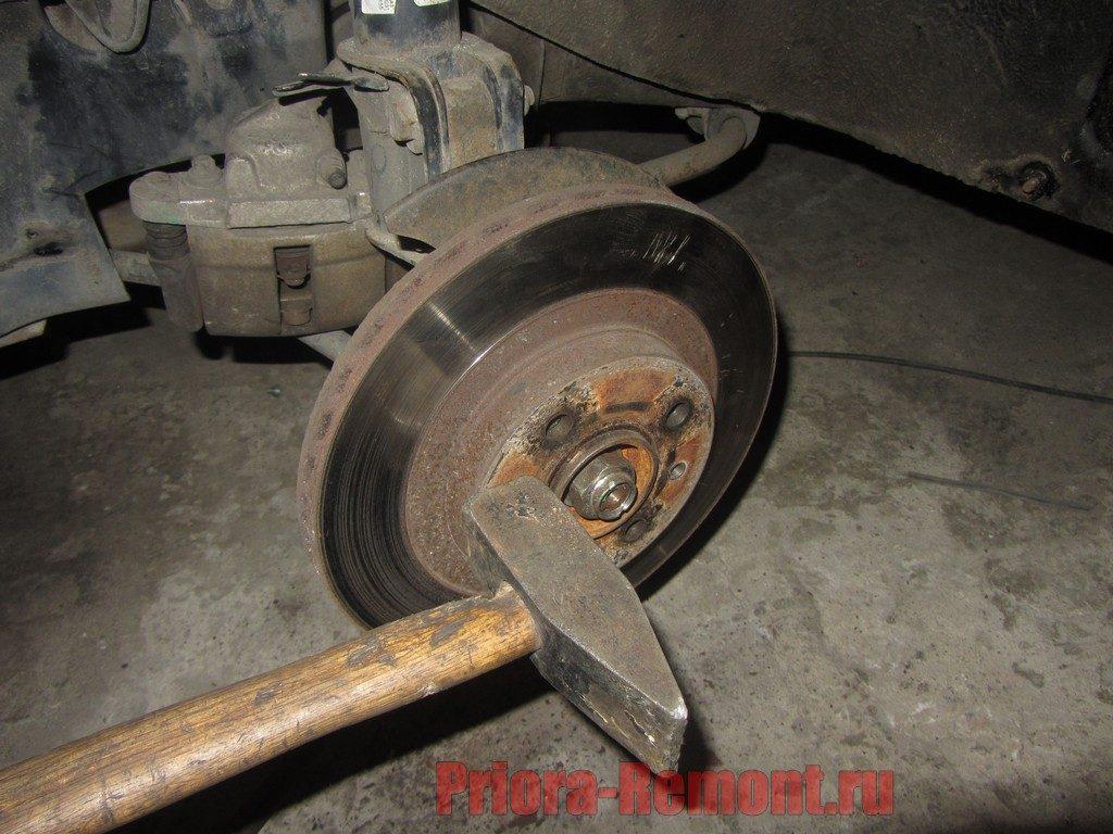 Как поменять тормозные диски на приоре