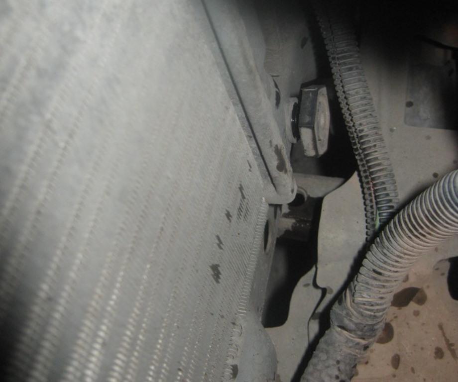 как слить антифриз из радиатора на Приоре
