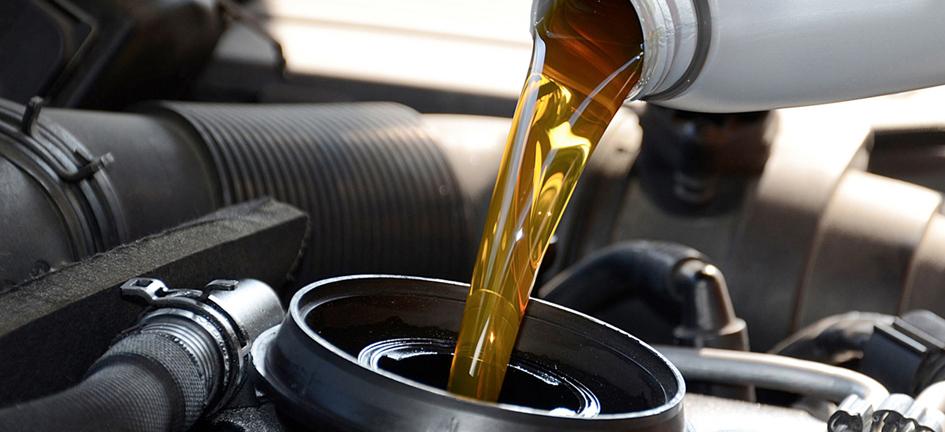 сколько масла заливать в двигатель приоры